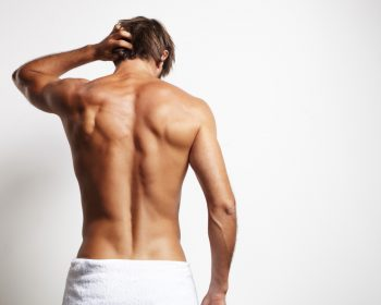 Removing hair from the back area: what should be taken into account?
