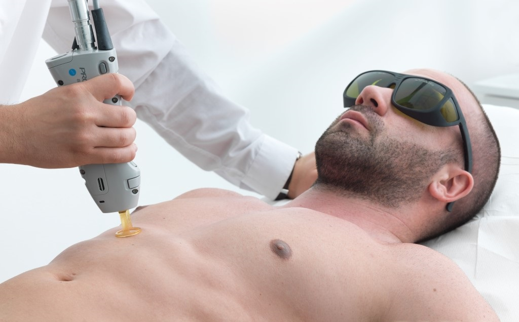 Sport and unwanted hair removal: why those notions are connected toughly?